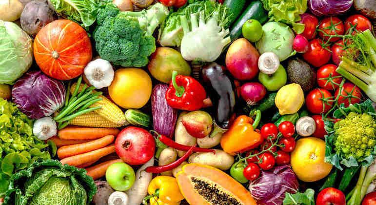 Olha só, não é que a sua mãe estava certa? Comer vegetais é uma ótima alternativa para preservar a saúde cardiovascular.