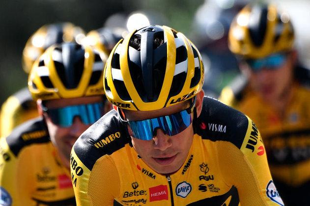 Olho nele: Wout Van Aert. O belga da Jumbo está voando em 2020: venceu a Monumento Milan-San Remo e a clássica Strade Bianche  (provas de um dia) e foi campeão por pontos da Criterium (prova de sete etapas). Sem dúvida é o cara mais capacitado no momento para destronar Sagan. Caso consiga, entra no rol dos gigantes.