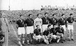 No futebol masculino, presente desde 1900, em Paris, dois países dividem a condição de maiores vencedores. Hungria e Grã-Bretanha conquistaram o ouro três vezes. O Brasil é o atual campeão