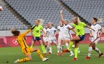 Stina Blackstenius faz o segundo gol da Suécia contra os EUA