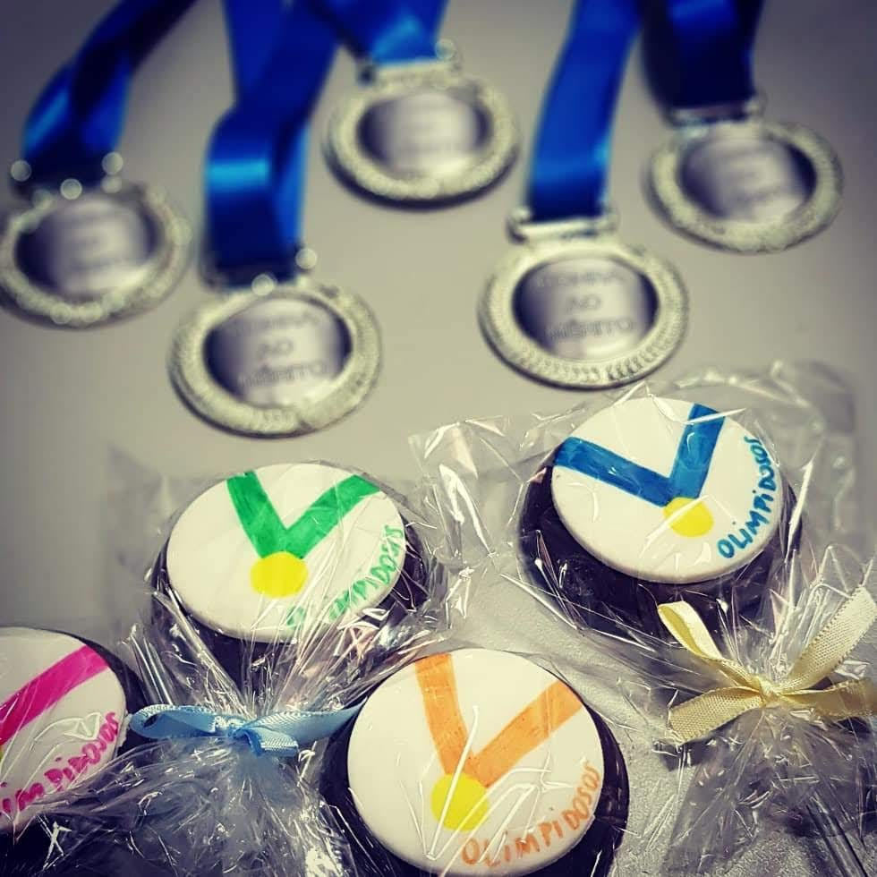 Vencedores ganham medalhas, doces e presentes