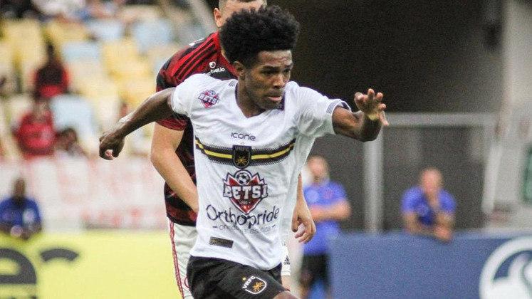 Oliveira (Volta Redonda): ele é o líder de desarmes do Campeonato Carioca. Além disso, é um dos líderes de assistências do Voltaço. Até aqui, o lateral-direito já mostrou contribuição tanto no ataque, quanto na defesa.