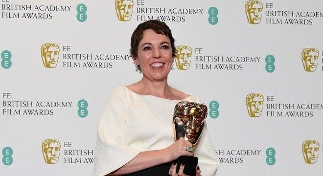 A premiada atriz, Olivia Colman, se envolveu em causa beneficentes