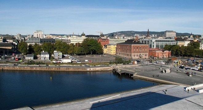 Em 2015, ele transferiu seu negócio de volta para Oslo, na Noruega