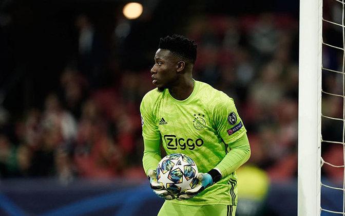 Onana: O goleiro do Ajax começou na base do Barcelona, mas foi vendido para o clube holandês em 2015. Hoje, é titular incontestável do clube de Amsterdã