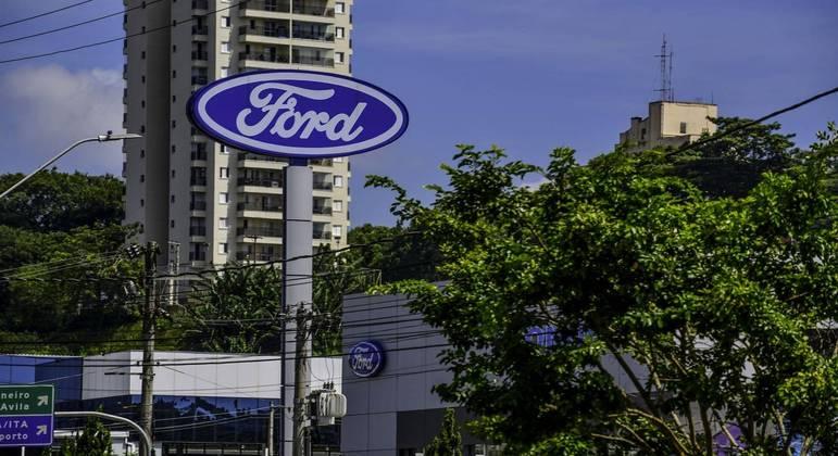 oncessionária da Ford Econorte na avenida Jorge Zarur, em São José,