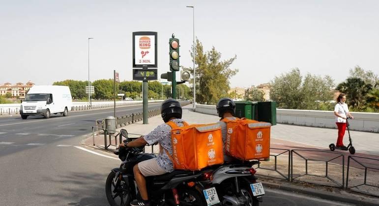Termômetros  de rua marcam 48ºC em Córdoba, Espanha