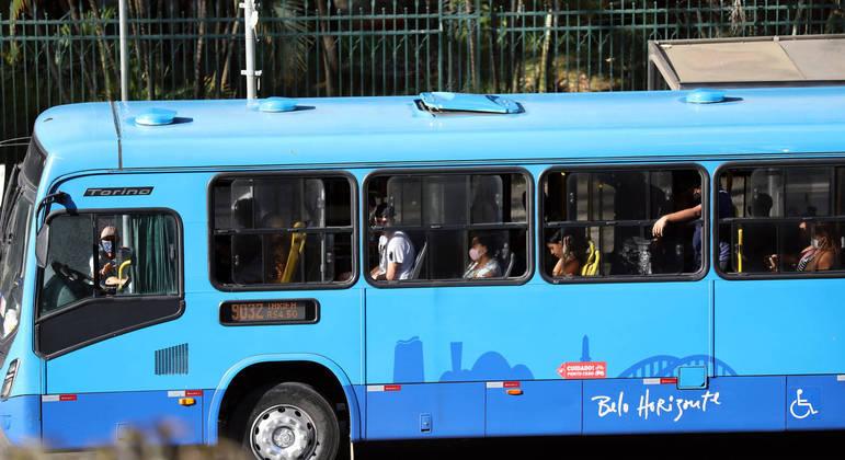 Irregularidades podem motivar fim do contrato das empresas de ônibus com a prefeitura