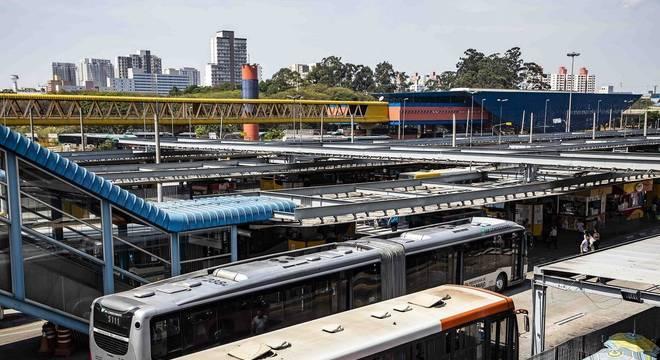 Eleições 2020: contratos dos ônibus engessam promessas em São Paulo