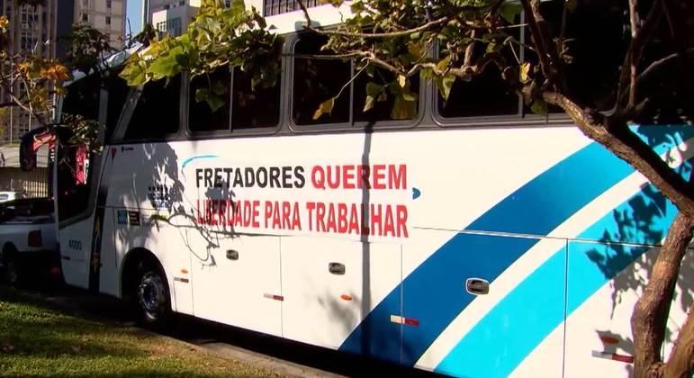 Capital teve manifestações contra e a favor ao projeto de lei sobre o fretamento de ônibus
