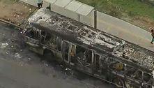 Protesto contra morte de jovem por PM incendeia ônibus em São Paulo