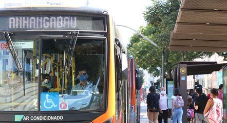 Motoristas e cobradores de ônibus entram no grupo