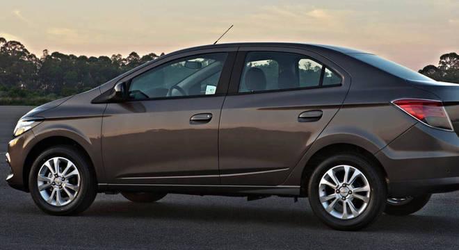 Segundo a GM os modelos acima de 2016 já tem o problema resolvido, porém os modelos mais antigos ainda não tem uma solução a não ser desligar o ar-condicionado
