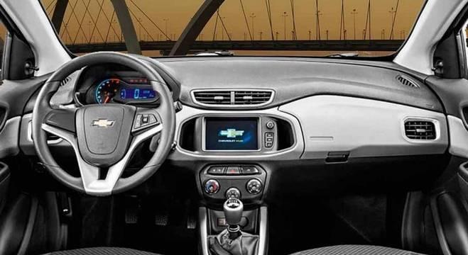 Nem tudo são pontos negativos. Os proprietários elogiam a economia do carro, junto com o bom espaço interno.