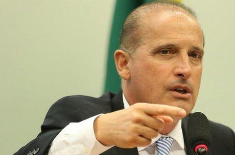 Ministro compara risco de arma a liquidificador
