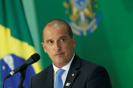Ministro fala sobre decreto de posse de arma