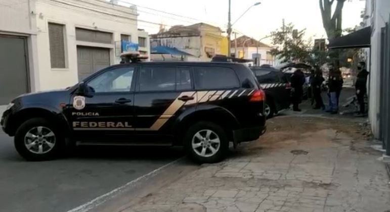 Polícia Federal faz operação para combater tráfico de drogas em Viracopos (SP)