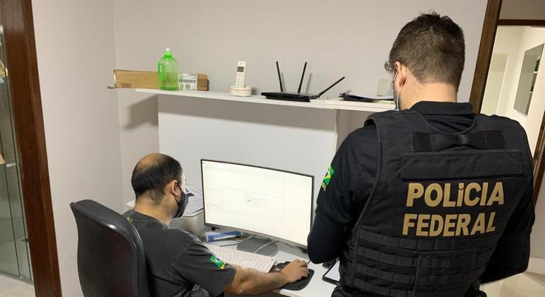 Policiais identificaram hacker que estaria vendendo os dados por meio de suas redes sociais