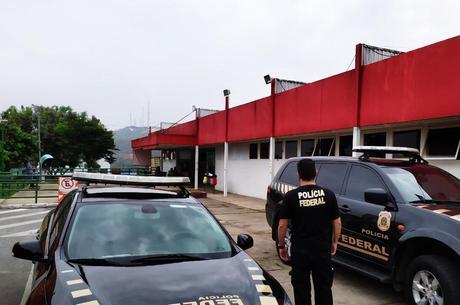 Agentes cumprem mandados em oito cidades