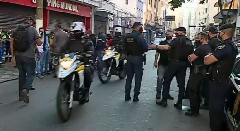 Polícia de SP faz operação em ferros-velhos na região da Cracolândia