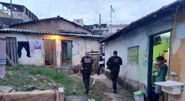 PF cumpre dois mandados de prisão e sete de apreensão na região metropolitana de SP