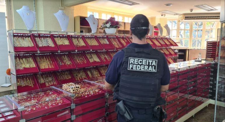 Operação busca desarticular organização suspeita de exportar ouro ilegal