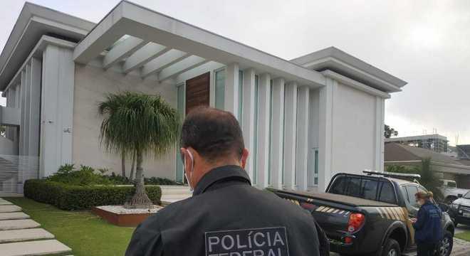 Polícia estima que uma das casas do tráfico vale cerca de R$ 6 milhões