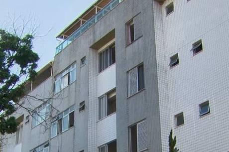 Polícia cumpriu mandados em um prédio em BH