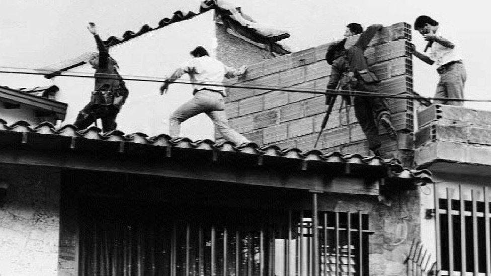 A história dos dois quadros pintados por Botero sobre a morte de Pablo Escobar
