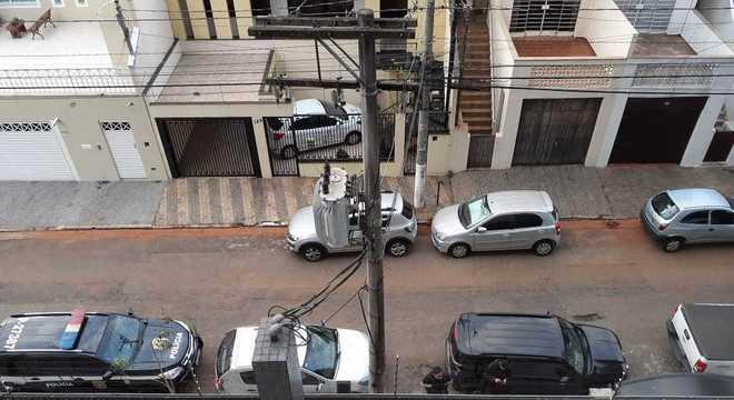Polícia cumpre mandado de busca e apreensão contra empresário na zona sul de SP