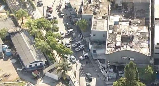 PM realiza operação contra tráfico de drogas no Cambuci, centro de SP