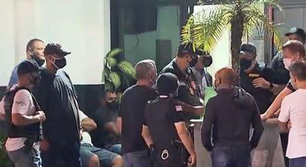 Policiais cumprem mandados de prisão contra facção em SP
