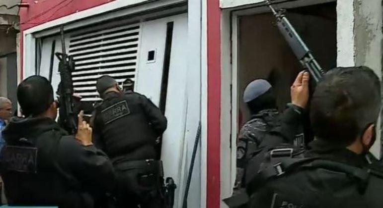 Polícia Civil faz operação contra o tráfico de drogas no litoral de SP