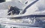 O inglêsDarren Verity, 53 anos, usou uma escavadeira para amassar umRange Rover de cerca de R$ 720.000LEIA MAIS:Zona de conforto! Gato removido de árvore gruda na perna de estudante