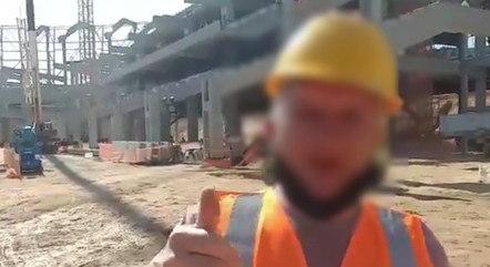 Vídeo mostra operário falando sobre 'macumba'