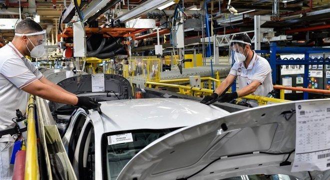 Houve uma recuperação da renda dos trabalhadores formais, diz economista