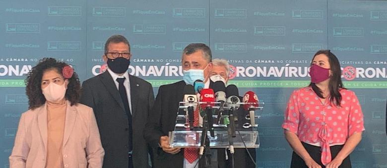 Líderes da minoria e da oposição anunciam obstrução por auxílio de R$ 600 até dezembro