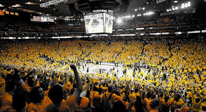 A Oracle Arena, repleta em amarelo