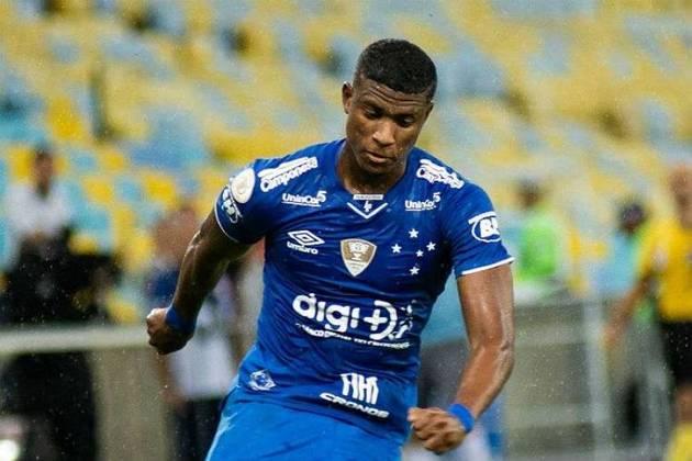 Orejuela - 25 anos - Cruzeiro - Lateral - O empréstimo de Orejuela se encerrou e o lateral voltou ao Cruzeiro , mas pelos altos salários e a realidade financeira do clube mineiro, é difícil que ele permanece na Raposa, e clubes da Série A estão interessados nele.