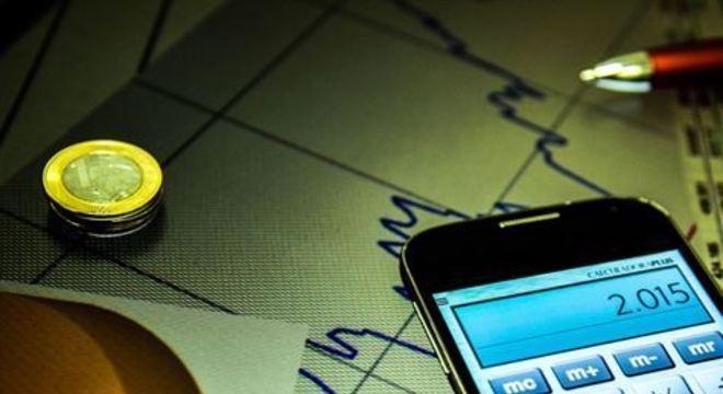 Organização financeira é fundamental neste começo de ano, quando custos altos se somam na lista de obrigações