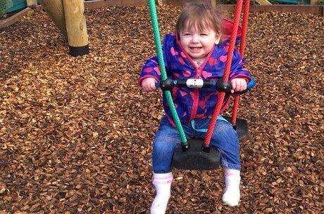Gemma Fraser Depois de várias consultas e uma cirurgia, Orla está feliz e saudável