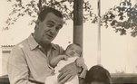 Acima, Drummond com outros dois netos, Alexandre e Marco Aurélio