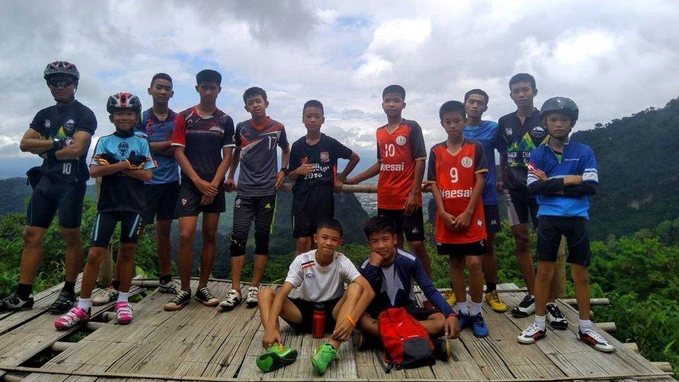 Resgate na Tailândia: As 3 chaves que explicam como 12 meninos e seu treinador sobreviveram por 17 dias na caverna