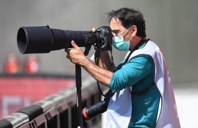 Os fotógrafos também utilizaram máscaras de proteção.