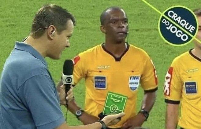 Os gremistas reclamaram muito da arbitragem de Luiz Flávio de Oliveira
