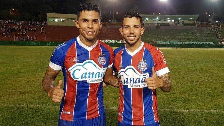 Os irmãos Flávio e Fernando Medeiros chegaram a vestir as cores do Bahia juntos no ano passado. O primeiro é um dos destaques do Tricolor, enquanto o segundo agora está em Portugal.