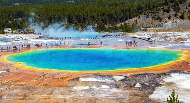 As fontes termais de Yellowstone abrigam microorganismos capazes de viver em condições extremas