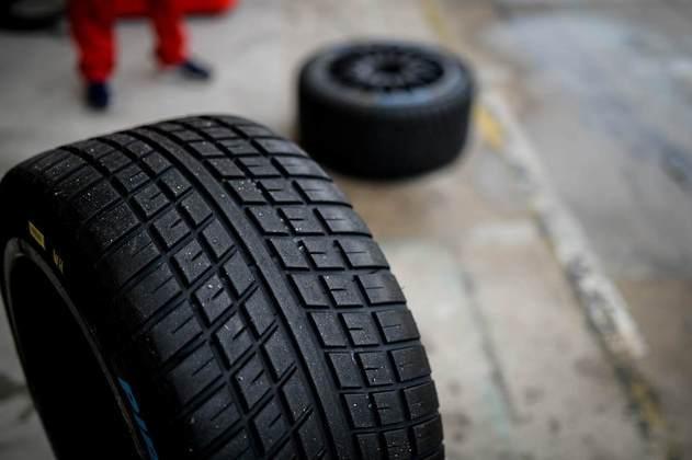 Os novos pneus de chuva da Pirelli foram utilizados nos treinos livres