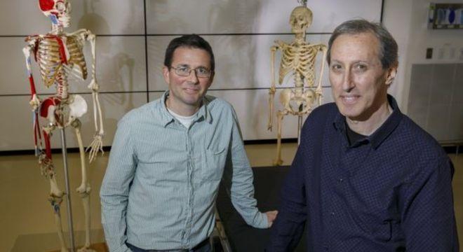Os pesquisadores Cam Walker e Mark Hankin, que estudaram o caso raro da americana