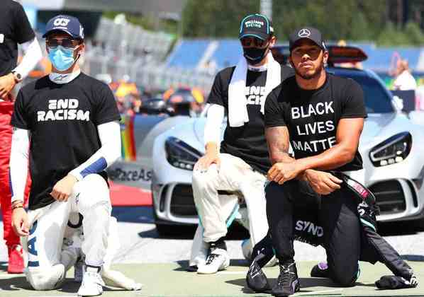 Os pilotos fizeram protesto contra o racismo antes do GP da Áustria
